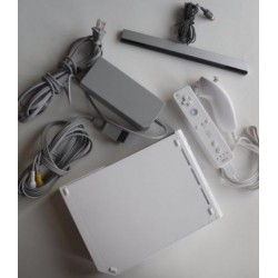 Nintendo Wii Console White Model RVL-001 Gamecube Compatible All cords 1x Controller